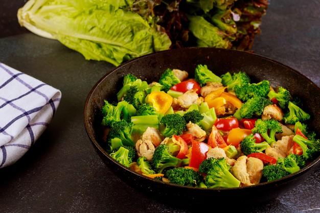 Ångad broccoli med vinäger
